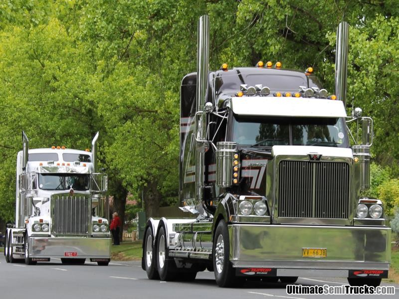 Castlemaine Truck Parade