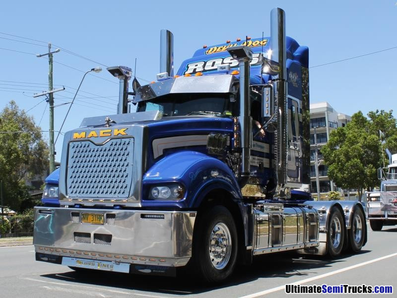 Ross Transport Mack Superliner