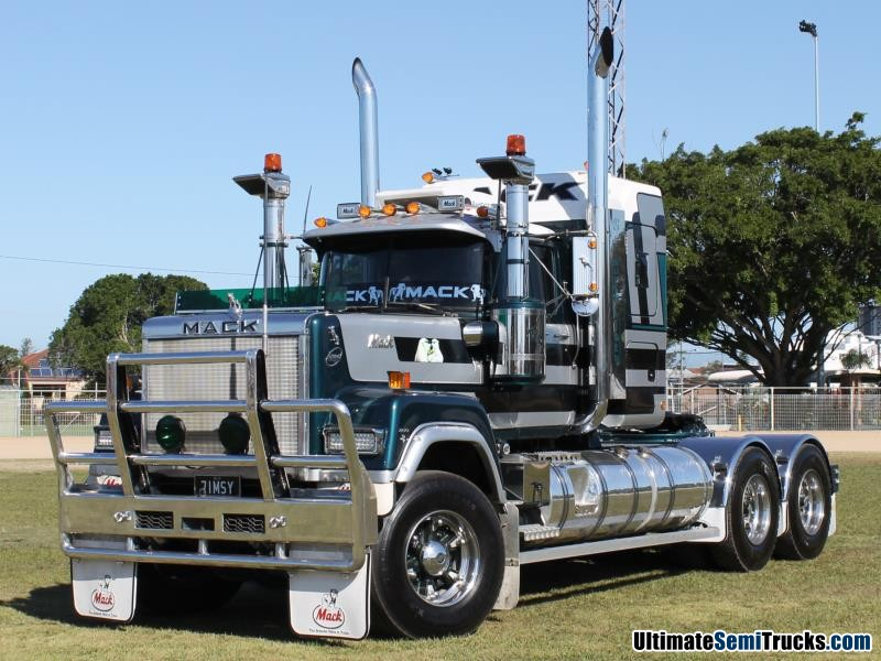 Classic Mack Superliner