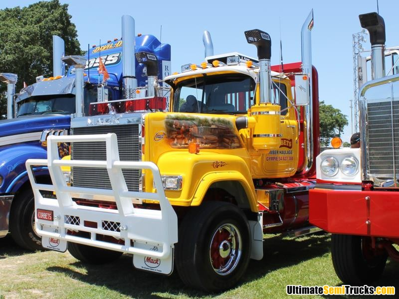 Corbets Mack Superliner